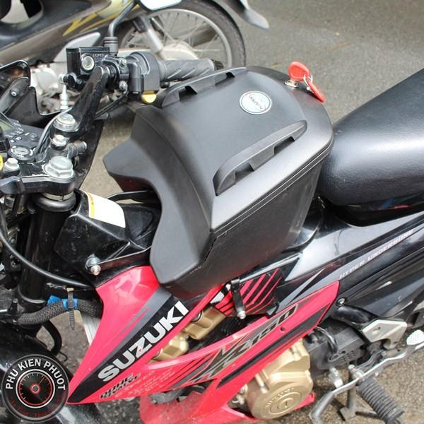 Thùng giữa xe máy givi raider, cốp giữa xe máy