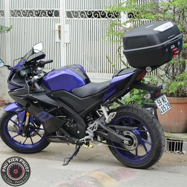 thùng xe r15 v3, baga givi r15 v3, thùng moto r15 v3 chính hãng