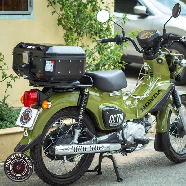 thùng xe honda cross cub cc110 , thùng givi cao cấp gắn xe cub cc110