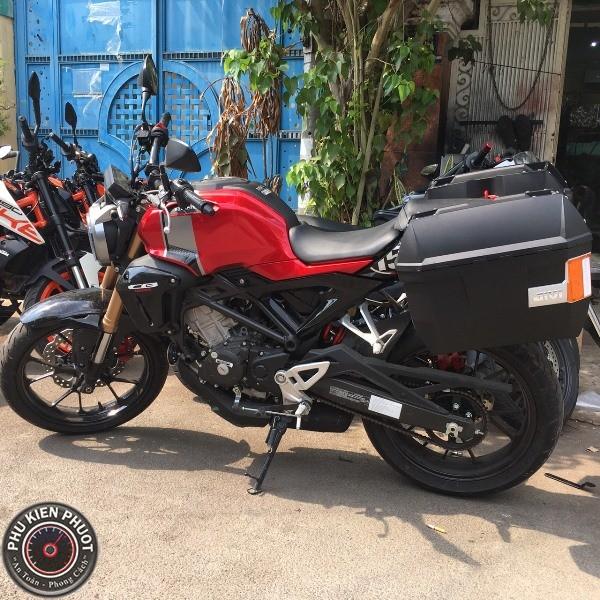 thùng xe cb150r , thùng hông givi cb150r , thùng moto chính hãng