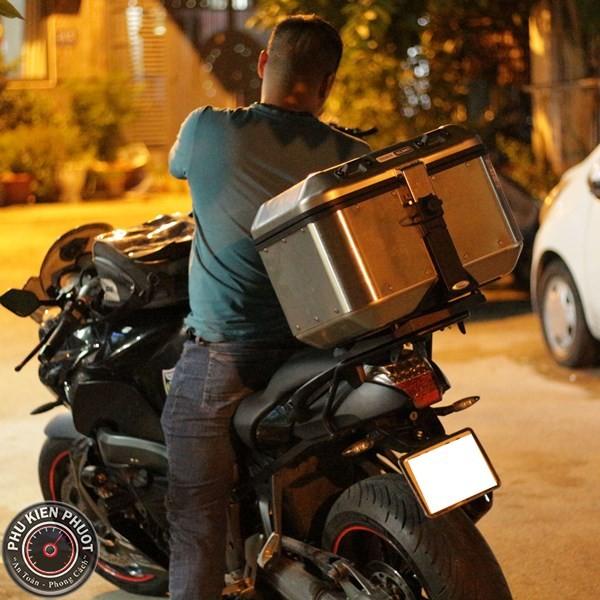 Thùng moto BMW K1300R , thùng givi xe BMW K1300R , thùng moto bmw