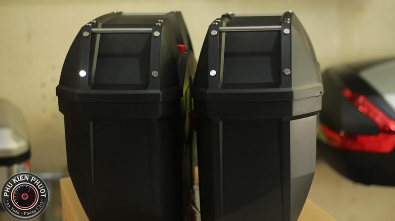 thùng 2 bên e23ns có đèn
