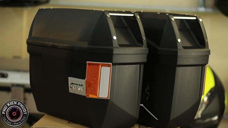 thùng givi e23ns có đèn